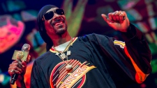 Snoop Dogg with Bone Thugs-N-Harmony, Warren G, Kurup and Afroman at Rogers Arena in Vancouver on Feb. 22, 2019. Courtesy: Anil Sharma