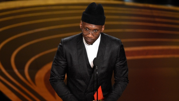 Mahershala Ali Dedicates 2019 Oscars Win to His Grandmother