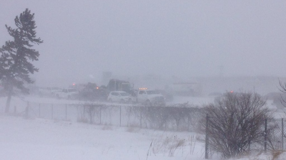 Dozens' of vehicles involved in Hwy  400 pileup in Barrie during