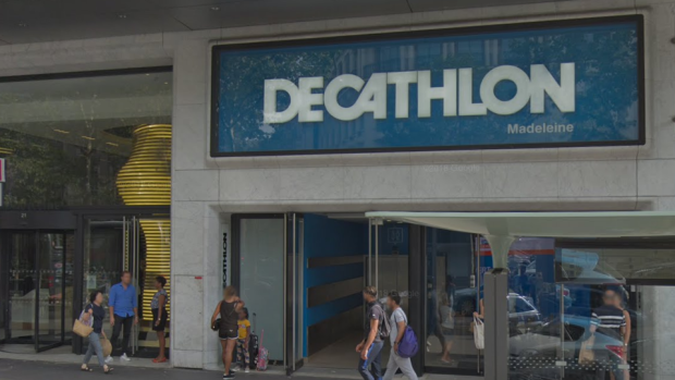 A Decathlon location is shown in Paris, France.