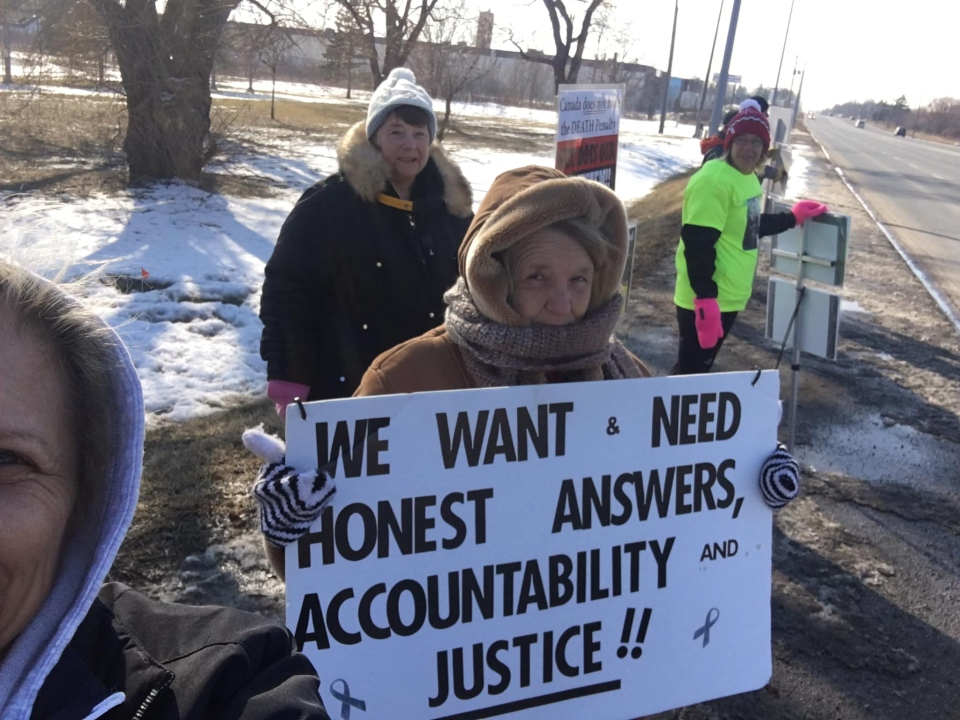 Families of inmates who have died inside the Elgin-Middlesex Dentention Centre hold protests every weekend outside the jail. (Facebook: Justice for Inmate)