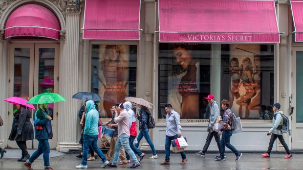 L Brands issues weak Victoria's Secret sales; FY forecast below estimates
