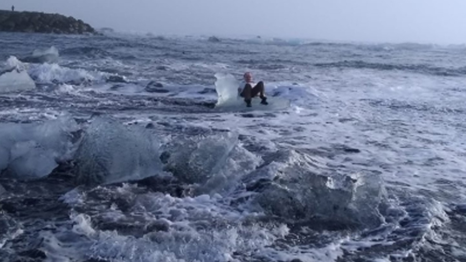 A grandmother visiting Iceland was rescued by a nearby boat captain after the piece of ice she was sitting on started to drift into the Atlantic Ocean. (@Xiushook via Storyful)