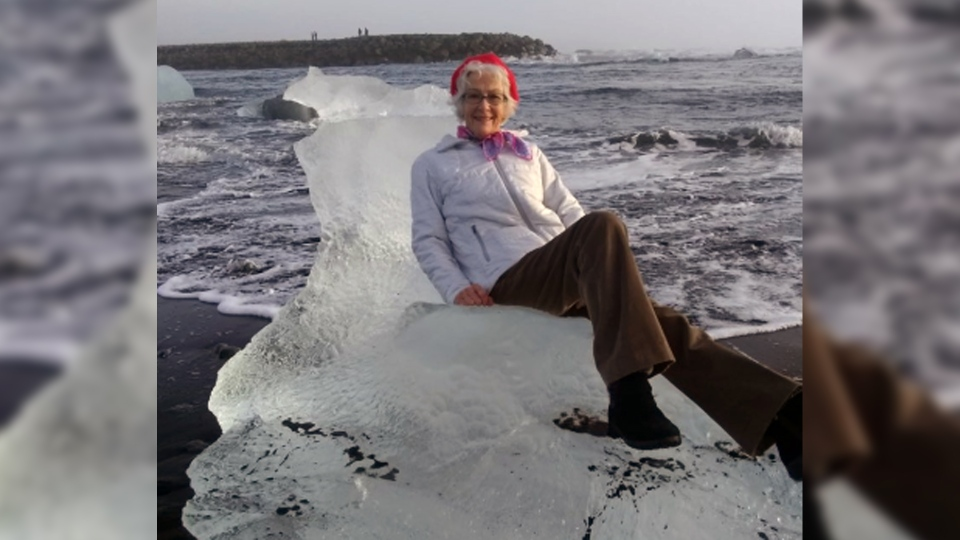 Catherine Streng says her grandmother was carried out into the Atlantic Ocean when a piece of ice she was sitting on became dislodged. (@Xiushook via Storyful)