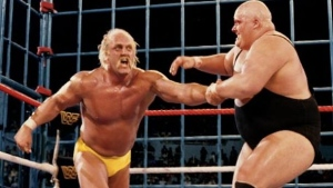 King Kong Bundy wrestles Hulk Hogan in 1986. (WWE)