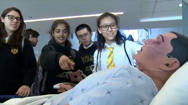 Marymount Academy students learn about science thanks to a partnership with the MUHC.