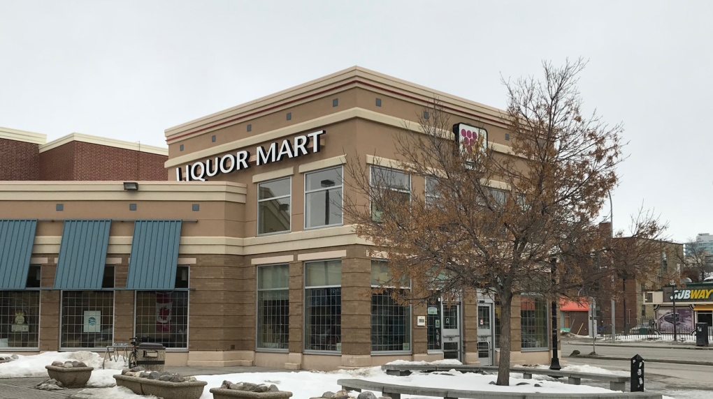 Customers, staff urged not to intervene during Liquor Mart thefts