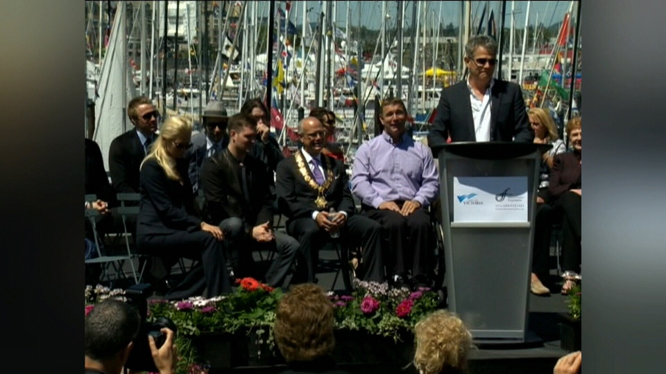 David Foster joined on stage in May 2012 with Rick Hansen, Michael Buble, Ladysmith's Pamela Anderson and the Tenors. (CTV Vancouver Island)