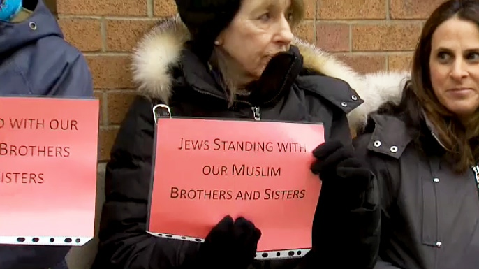 'Rings of peace' formed around GTA mosques one week after N.Z. attack