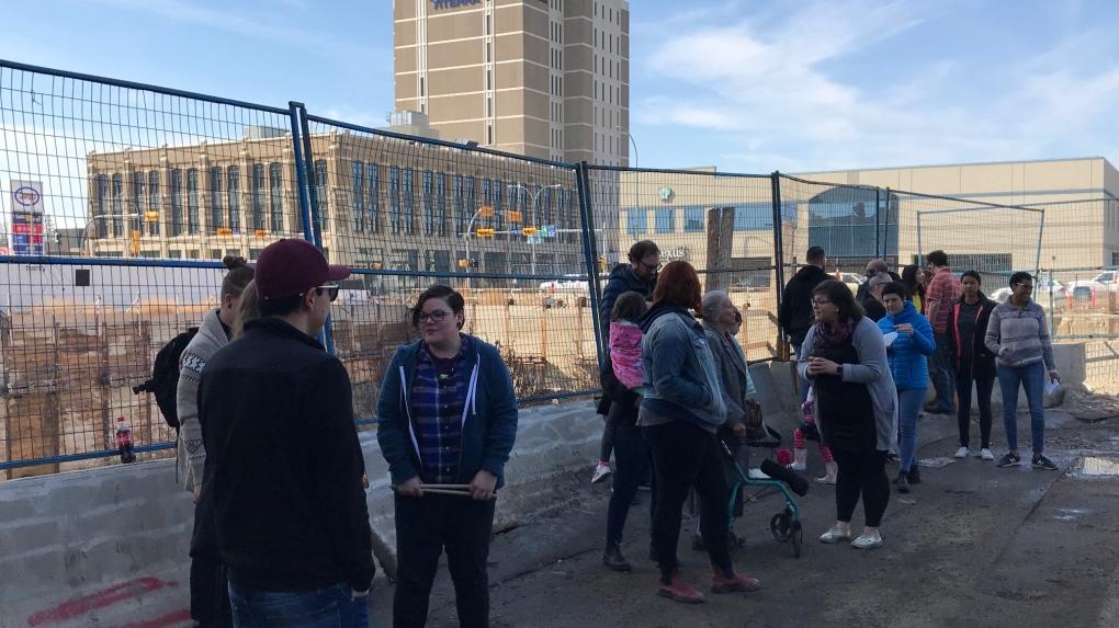 Regina residents bid farewell to Capital Pointe hole