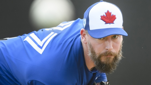 Blue Jays bring back Canadian reliever Axford on minors deal