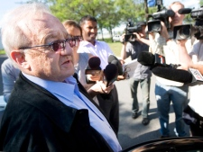 Karlheinz Schreiber speaks to journalists as he arrives at the Toronto West Detention Centre on Sunday, August 2, 2009. (Darren Calabrese / THE CANADIAN PRESS)