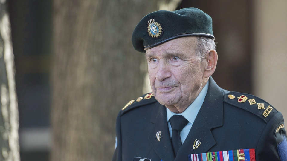 Colonel David Lloyd Hart, a veteran of the Raid on Dieppe is shown during an event in Montreal, Saturday, October 21, 2017. A World War II veteran who was the Canadian Army's longest-serving officer has died. The Royal Montreal Regiment announced that Honorary Col. David Lloyd Hart died last Wednesday at the age of 101. (THE CANADIAN PRESS/Graham Hughes)