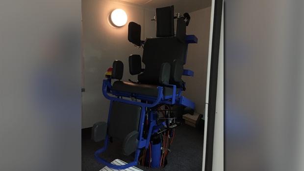 bipolar test chair