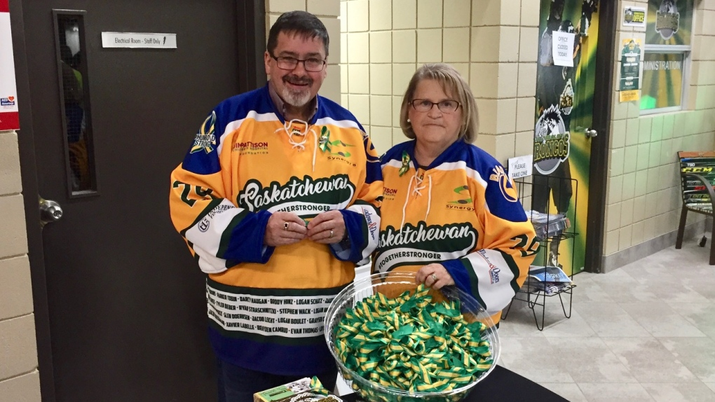 Humboldt couple fashions 12,000 ribbons for Broncos' fundraiser