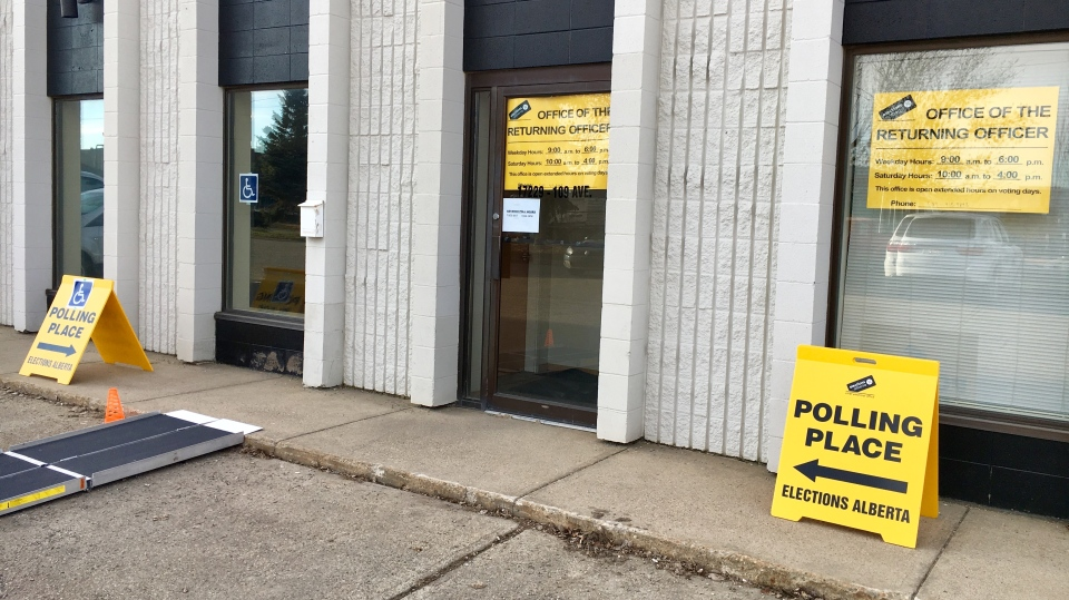 Advance polling for the Alberta provincial election on April 9, 2019. (EVAN KLIPPENSTEIN/CTV EDMONTON)