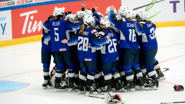 U S Wins Controversial Women S Hockey Gold In 2 1 Shootout Win Over