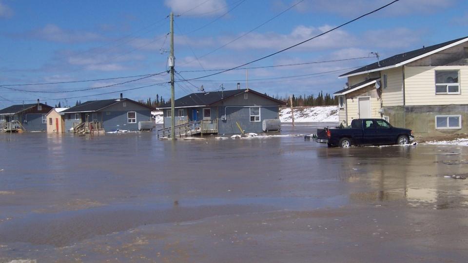 Kashechewan First Nation flooding (Charlie Angus/Facebook)