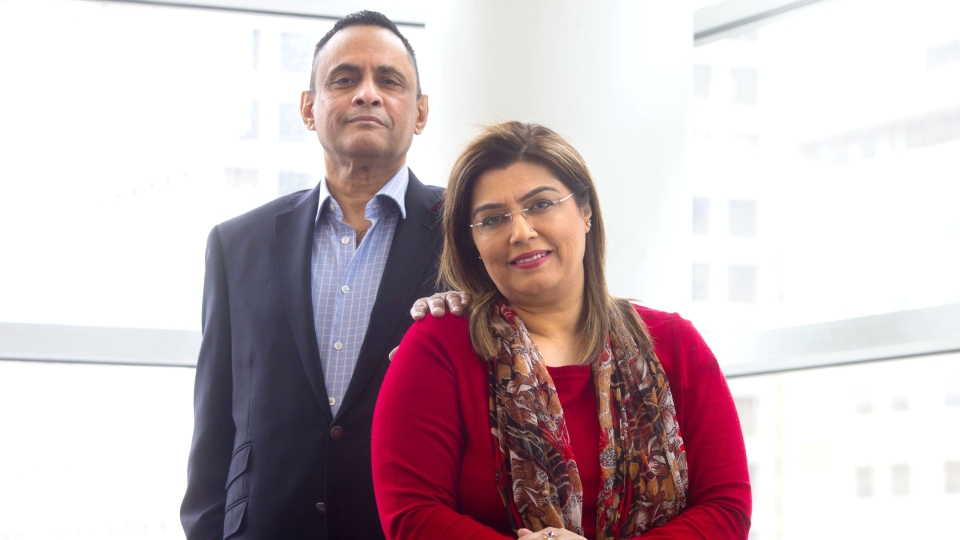 Muhammad Khan poses with his wife Hina Khan, at Toronto General Hospital on Tuesday, April 16, 2019. THE CANADIAN PRESS/Chris Young
