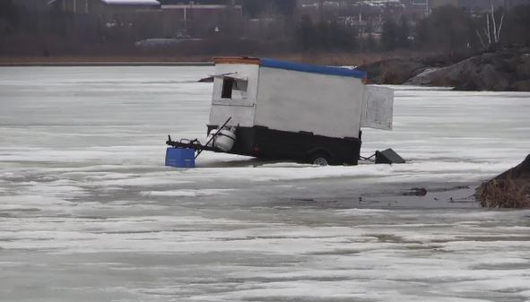 Someone abandoned an ice hut on Kelly Lake in Sudbury (Ian Campbell/CTV Northern Ontario)