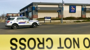 RCMP responded to a bomb threat at a Sherwood Park bank and arrested a man who said he had an explosive device.