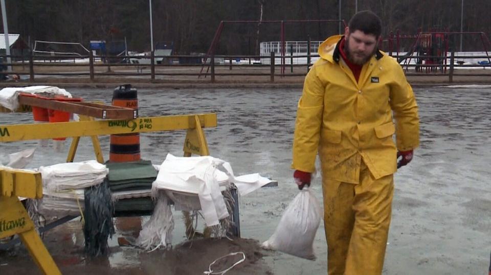 Preparing for flooding in West Carleton