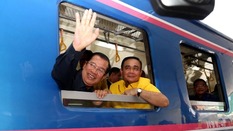 Cambodian and Thai leaders mark reopening of rail link