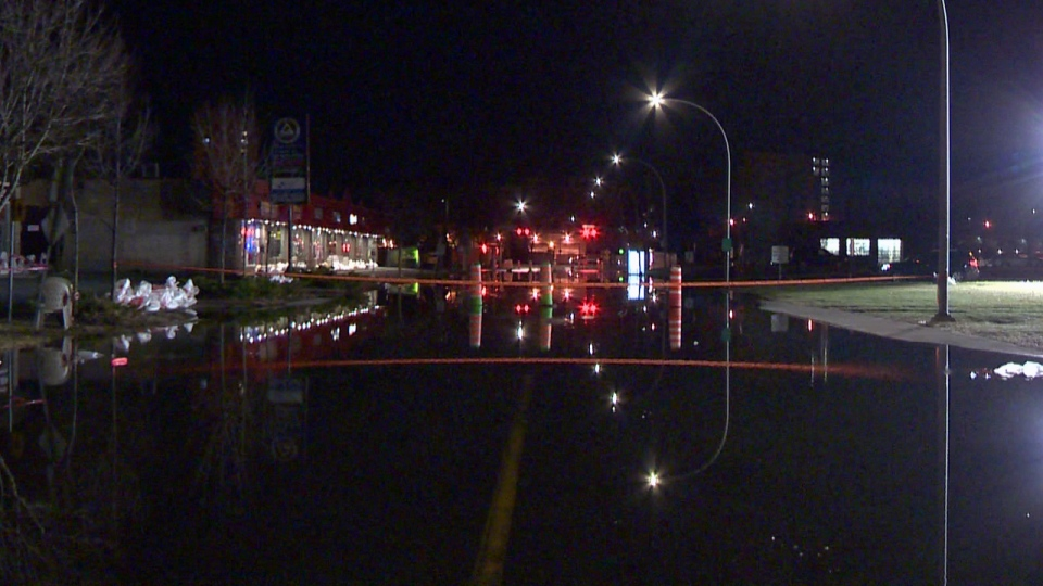 The intersection of Pierrefonds Blvd. and René Emard St. was flooded early Monday April 22, 2019 (CTV Montreal/Stephane Gamache)