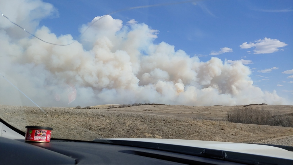 Biggar Health Centre evacuated as grass fire burns 'out of control'