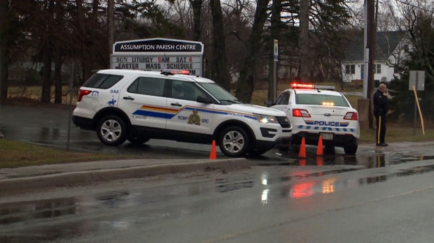 Police in Prince Edward Island responds to an unspecified threat that temporarily suspended voting at a polling station. (CTV News)