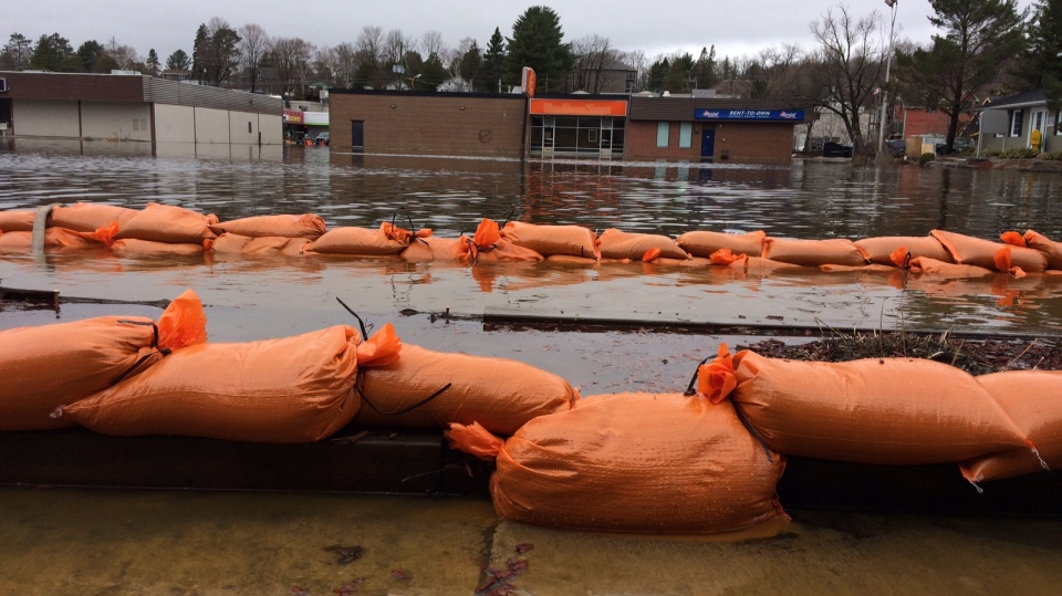Huntsville declares a state of emergency amid flooding concerns.  Sandbags are placed to keep water at bay on April 24, 2019 (CTV News/Rob Cooper)