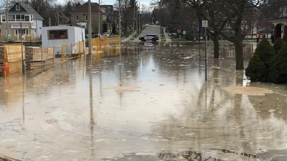 A watermain break on King Street causes massive water outage in Kitchener and Waterloo (Jeff Pickel/CTV Kitchener)