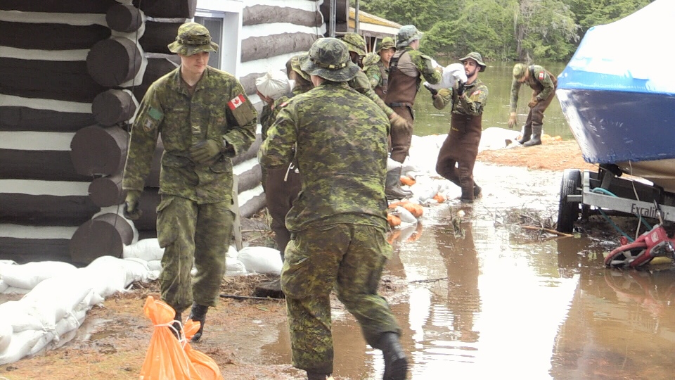 Canadian Armed Forces arrive to help with the flood emergency in Bracebridge on Monday, April 29, 2019 (CTV News/Mike Walker)