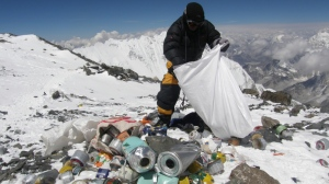 An army helicopter transported a third of the collected trash to Kathmandu for recycling. AFP PHOTO/Namgyal SHERPA/FILES