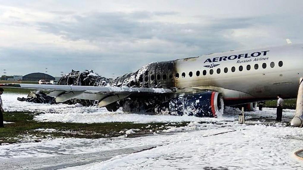 Moscow plane crash survivor recalls strong lightning strike