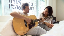 Canadian singing stars honour Ono – Lennon Bed-In