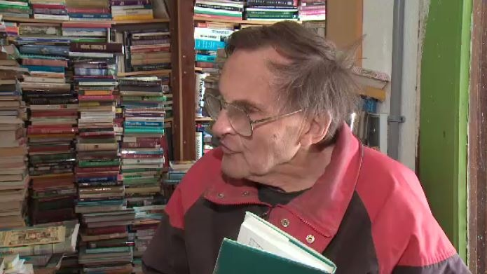 Ralph Crawford's used bookstore has 300,000 books on many different topics.