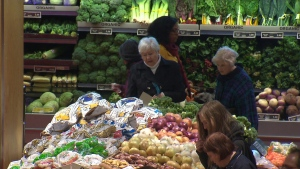 Canadians slow to accept online grocery shopping