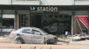 Car slams into Quebec City building