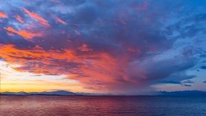 A sunset on Texada Island, B.C. in May 2019. (Ron Windrim)