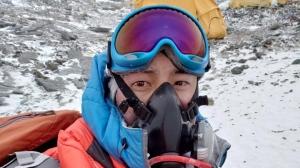Victoria man describes horror and heroism on Mount Everest.
