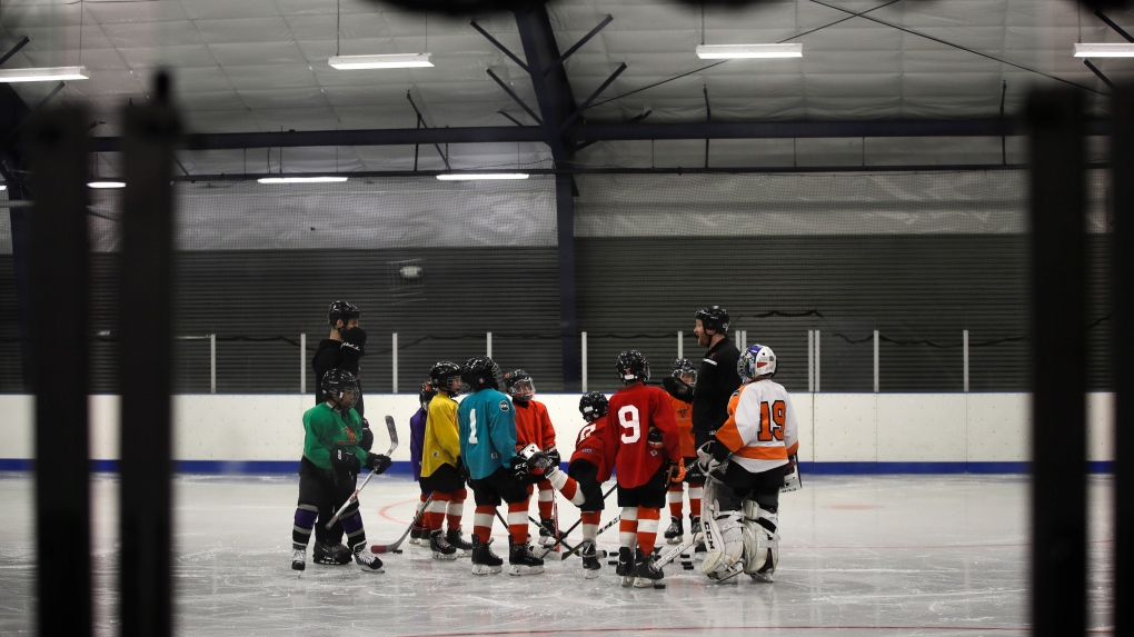 Girls hockey in Philly may get boost from Howe Foundation