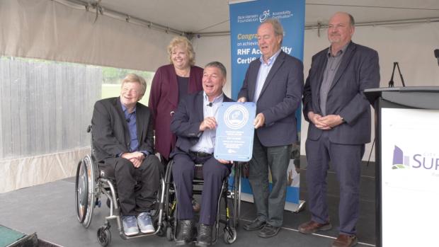 Rick Hansen praises Surrey facility