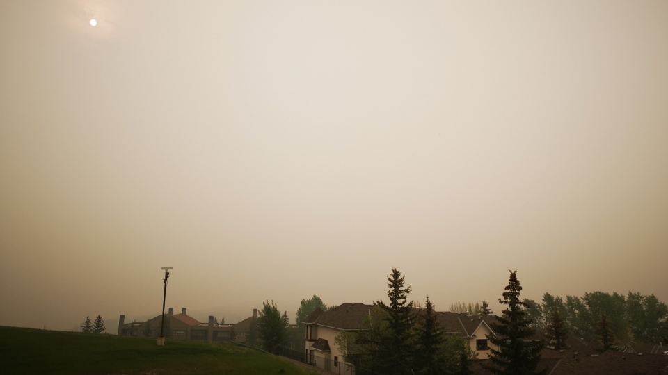 Wildfire smoke over Calgary is seen from Broadcast Hill Friday morning, May 31, 2019. (CTV News Calgary)
