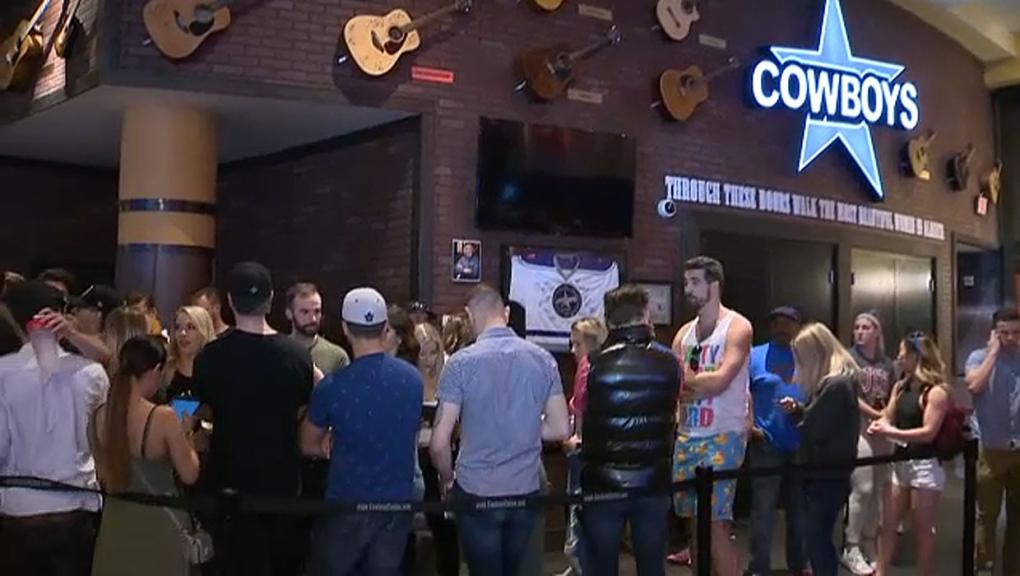 Cowboys job fair brings in stampede of people looking for work