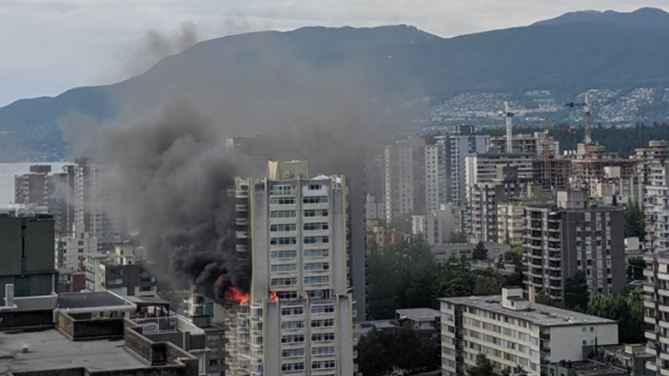 A fire broke out in Vancouver's West End on Sunday, June 2, 2019. Source: Twitter.com/PcOfSht_Doodles