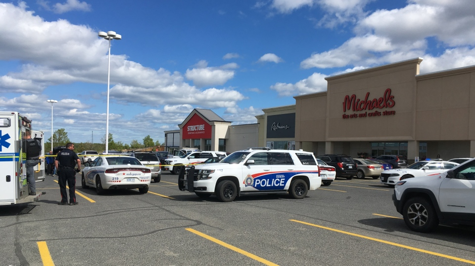 Sudbury police on scene of a stabbing that injured four people Monday afternoon. (Lyndsay Aelick/CTV Northern Ontario)