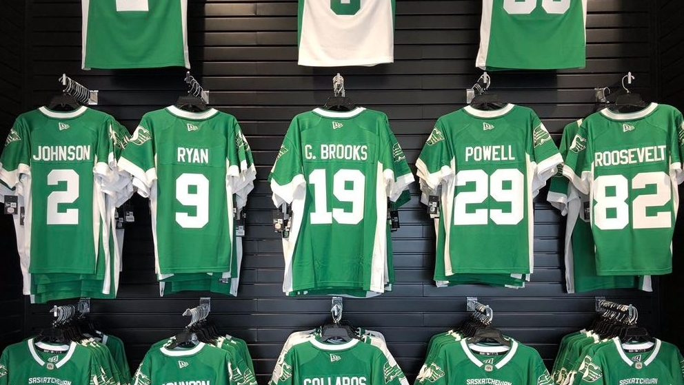 'Promise made, promise kept': Rider jersey awaits Garth Brooks