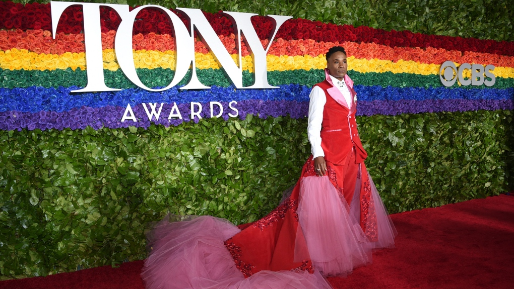 Billy Porter once again stuns on red carpet