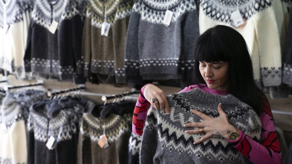 Folding a 'lopi' sweater